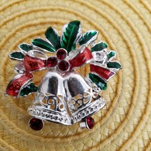 VINTAGE  ☆ Christmas Silver Bells Brooch, PRETTY!